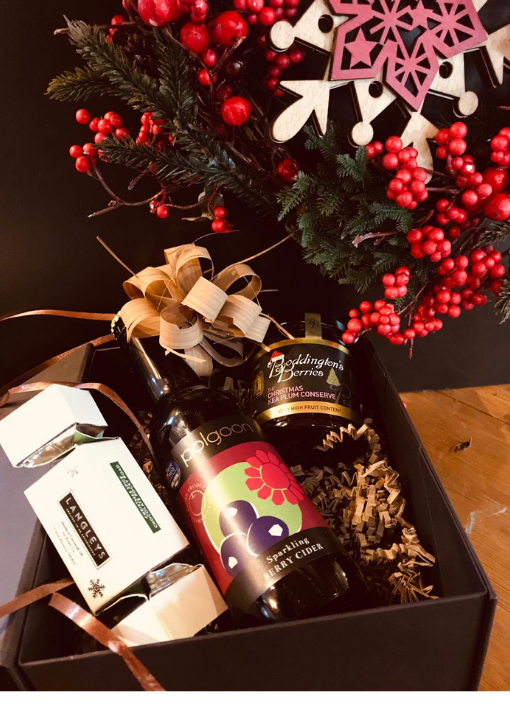 Small Christmas Hamper Berry Cider