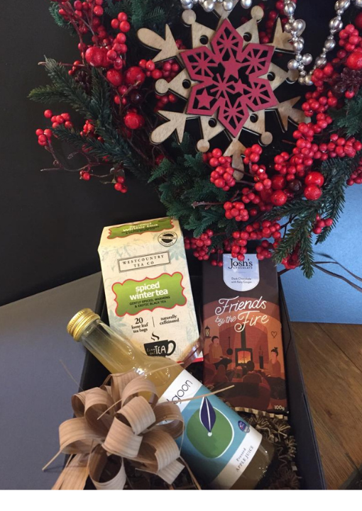 Small Christmas Hamper with Polgoon Apple Juice