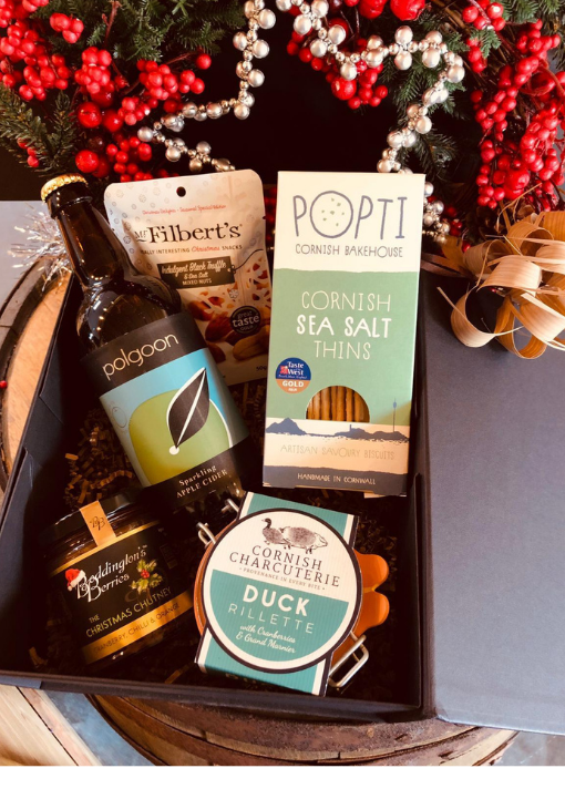 Medium Christmas Hamper with Apple Cider