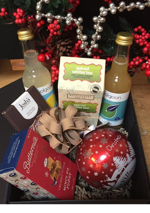 Medium Christmas Hamper with Polgoon Juice